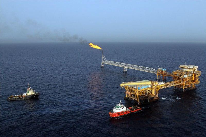 همکاری دانشمند در رفع نیازهای دانش بنیان دکل های نفتی + فیلم